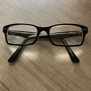 Kids Ray-Ban glasses with no prescription/clear.